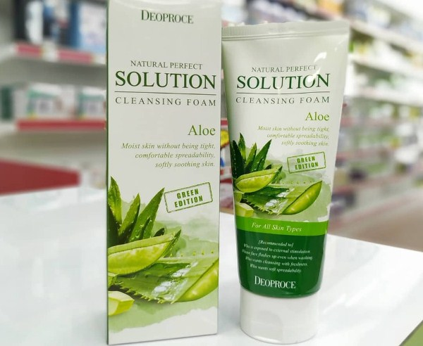 Deoproce Natural Perfect Solution Cleansing Foam Green Edition Aloe