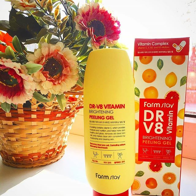 FarmStay DR-V8 Vitamin Brightening Peeling Gel